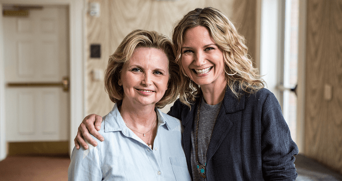 Jennifer Nettles and 4-H Volunteer